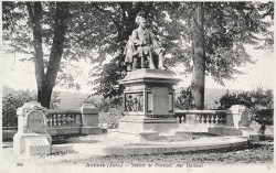 Monument à Louis Pasteur – Promenade Pasteur – Arbois