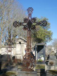 Croix funéraires – Division 46 – Cimetière du Père Lachaise – Paris (75020)