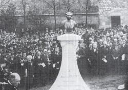 Monument à Ambroise Petit, précurseur de l'art choral à Reims – Reims (fondu)