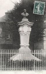 Monument à Pouyer-Quertier – Fleury-sur-Andelle