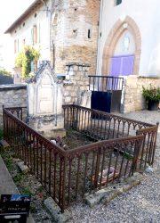 Croix et entourages de tombes – Cimetière – Saint-Amans – Molières