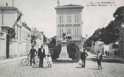 Monument à Réaumur – La Rochelle