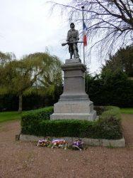 Poilu La Résistance – Monument aux morts – Auchy-lès-Hesdin