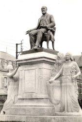 Monument à Léon Bourgeois – Châlons-en-Champagne (fondu) (remplacé)