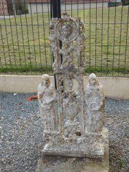 Croix funéraire – cimetière – Embry (1)