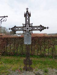 Croix funéraire – Sépulture de la famille Bourgois-Beugny – Érin