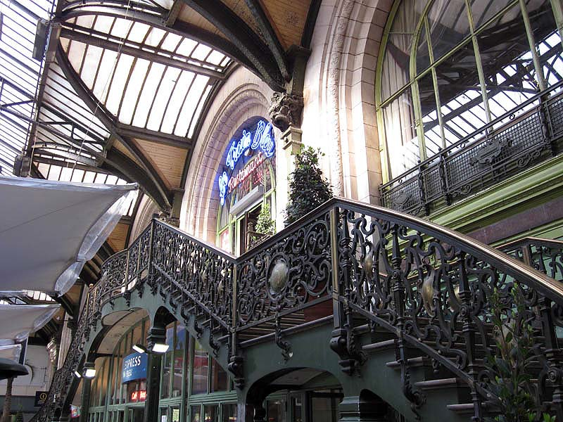 escalier du train bleu gare de lyon paris. Black Bedroom Furniture Sets. Home Design Ideas