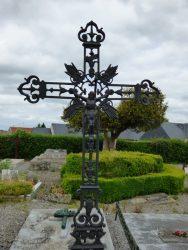 Croix funéraires (3) – cimetière – Marbaix (12)