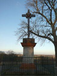 Croix – Place de l'Esplanade – Montgiscard