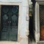 Portes de chapelles sépulcrales  - Division 18 - Cimetière du Père Lachaise - Paris (75020) - Image24