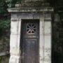 Portes de chapelles sépulcrales  - Division 30 - Cimetière du Père Lachaise - Paris (75020) - Image22