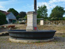 Fontaine – Grande Rue – Trésilley