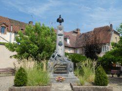 Monument aux morts – Grande Rue – Faverney
