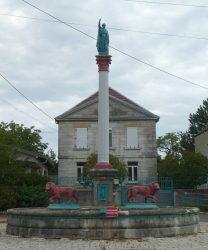 Fontaine aux lions – Grande Rue – Vellevans