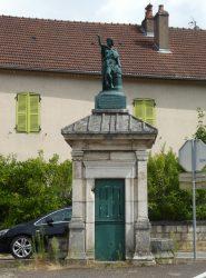 Statue République – Rue du Centre – Torpes