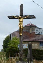 Christ en croix – Rue de Vesoul – Combeaufontaine