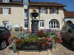 Fontaine – Place de la Mairie – Cromary