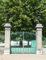 Statues Lecture et Écriture – Rue Anatole France – Moirans-en-Montagne