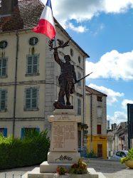 Monument aux morts – Rue de la République – Champlitte