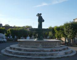 Fontaine des deux Rivières – Place Cugnot – Void-Vacon