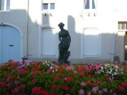 Fontaine Naïade – Rue Louvière – Void-Vacon