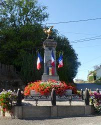 Monument aux morts – Rue des Écoles – Plombières-les-Bains