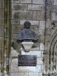 Buste chanoine François Floc'h – Rue Verderel – Saint-Pol-de-Léon
