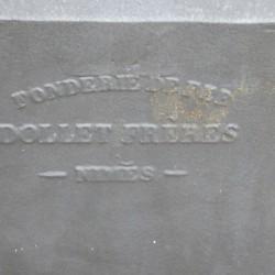 signature sur les bornes-fontaines