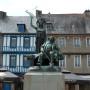 Monument à Ernest Renan - Place du Martray - Tréguier - Image3