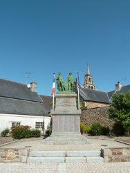 Monument aux morts – Rue des Anciens Combattants – Pleubian