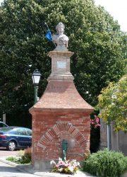 Buste République – Place de la Marianne – Lanta