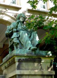 Monument à Charles Rollin – Paris, 9e arr.