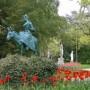 En excursion (Jeune fille sur un âne) - jardin des Plantes - Le Mans - Image1