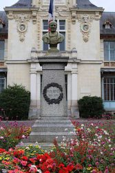 Monument à Jules Reiffel – Rennes (fondu) (remplacé)