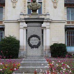 monument reiffel