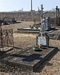 Fonte funéraire – cimetière  – Poilu – Thoiré-sur-Dinan